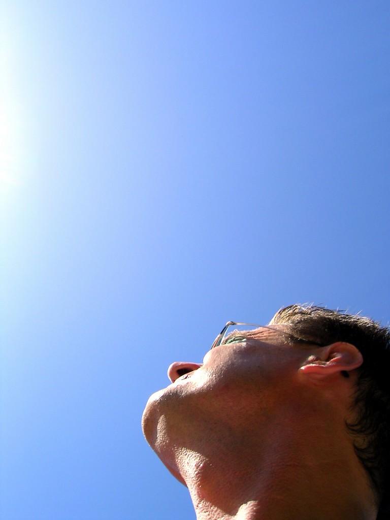 449628 R by Rolf van Melis pixelio.de  768x1024 Wie kommen Sie gesund durch die Sommertage?
