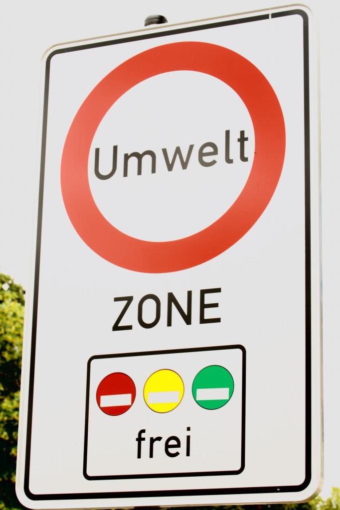 464477 R K by Gisela Peter pixelio.de  682x1024 Umweltzonen und Fahrverbote für ältere PKWs sorgen für Unmut