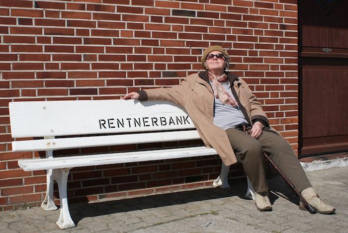 507870 R B by Barbara Eckholdt pixelio.de  Wie leben unsere Senioren wirklich?