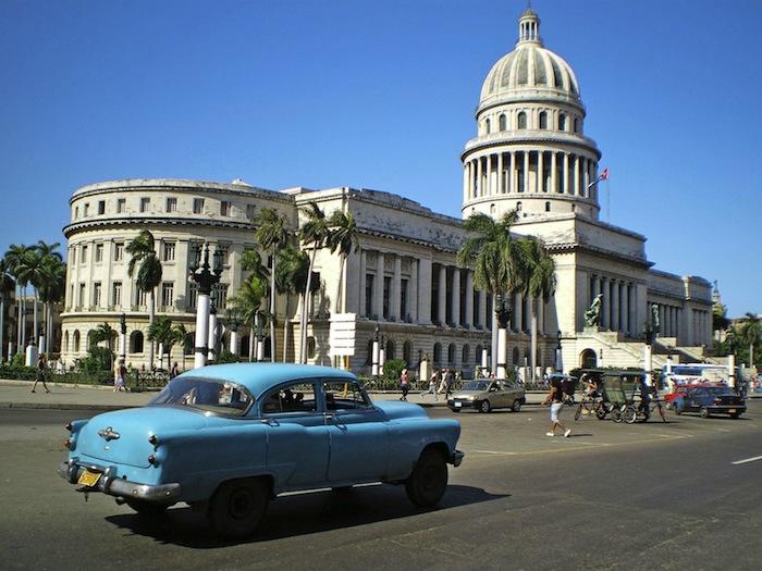 Rundreisen Fern TUI Kuba Taxifahrten in Oldtimern auf Kuba
