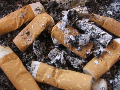 307504 web R by alf loidl pixelio.de  Rauchen aufhören lässt um fünf Kilo zunehmen