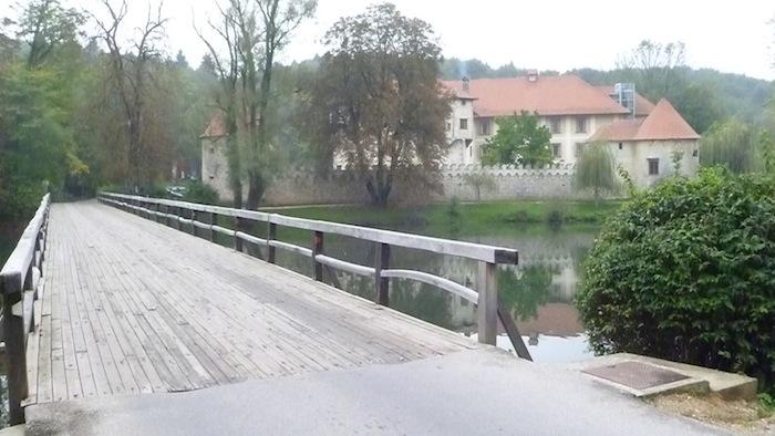 P1010741 Schloss Otocec in Slowenien ein Stück Vergangenheit