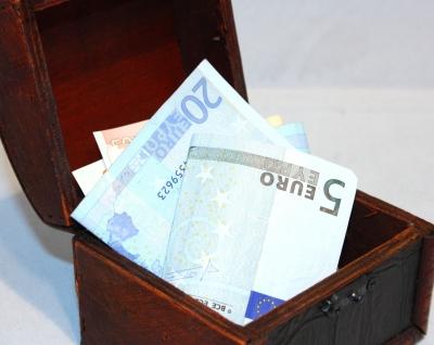 481903 web R by Benjamin Klack pixelio.de  Pensionsabsicherung durch Lebensversicherung