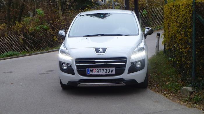 P1010842 Peugeot 3008 Hybrid4 im Test