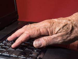 Krankheiten: Ältere nutzen Web zur Recherche