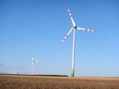 638253 web R K B by Philipp Hofer pixelio.de  Windenergie steigert Lebensqualität
