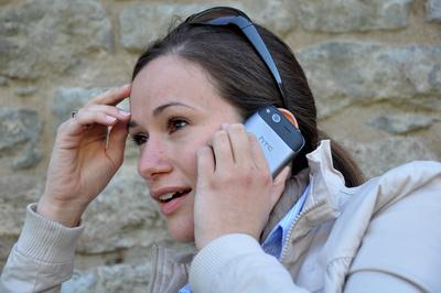 559270 web R B by Joachim Kirchner pixelio.de  Handy im Urlaub immer dabei