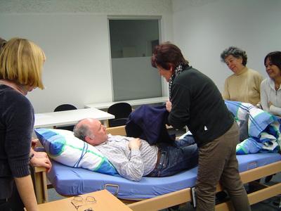 584294 web R by Gerda Mahmens pixelio.de  24 Stunden Pflege für Pflegebedürftige