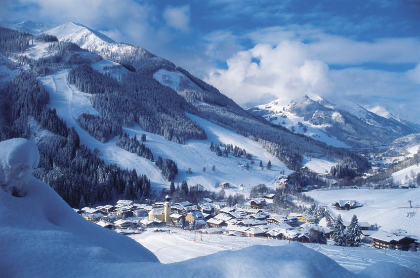 RS525 Ort Village 2 scr Saalbach ein überaus vielseitiges Skigebiet