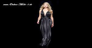 Ein Cocktailkleid in Übergröße macht die Frau zur Diva