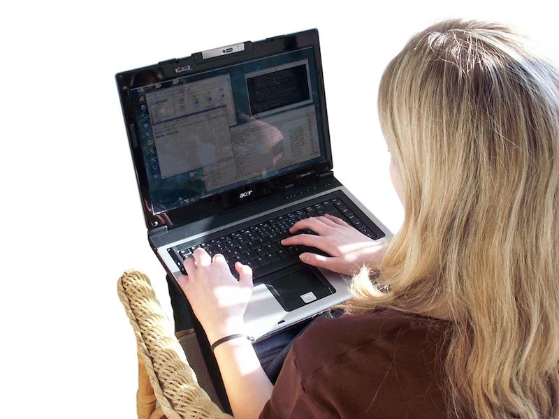 239357 original R K B by Barbara Eckholdt pixelio.de  Internetaffine Menschen sind unternehmungslustiger