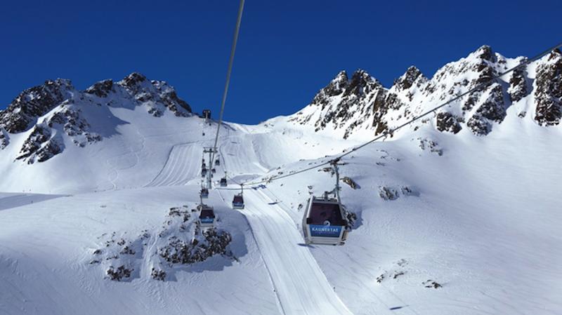 Kau Gle gondl1 Am Kaunertaler Gletscher bekommen Skifahrer Lust auf mehr