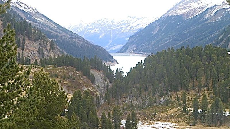 P1040419 Am Kaunertaler Gletscher bekommen Skifahrer Lust auf mehr