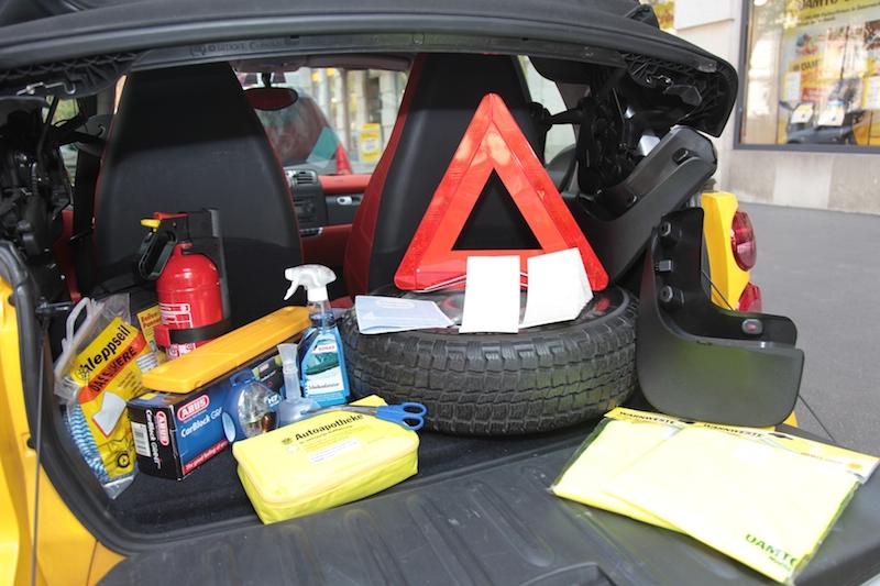 OEAMTC4595 Was man als Autofahrer in Europa mitführen muss