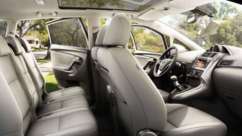 toyota verso 2014 interior tme 014 full tcm 3041 46377 Toyota Verso bei uns im Test