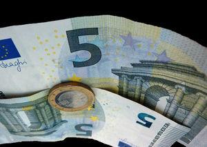 Private Finanzen: Jeder Zweite lügt Partner an