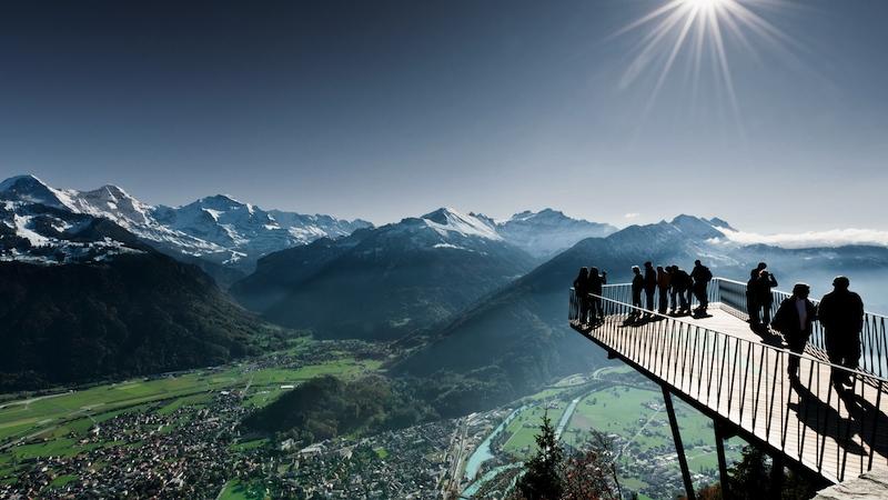 01 01 05 01 01 66 HK n 0038 2 Seen Steg Boedli EMJ cmyk bearb Interlaken Ausgangspunkt für Aussergewöhnliches