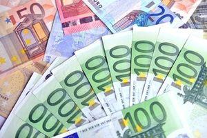 Zyniker verdienen rund 300 Euro weniger