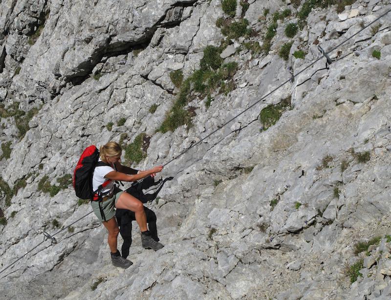 602346 original R K B by berggeist007 pixelio.de  Beim Klettern kommt oft Eigenverantwortung zu kurz