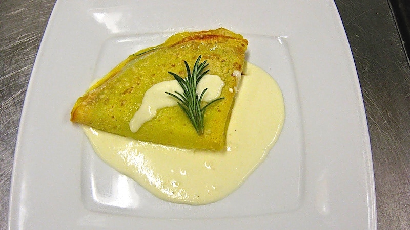crespella2 Gratinierte Crepetasche mit Rucola Pesto und Robiola Käse