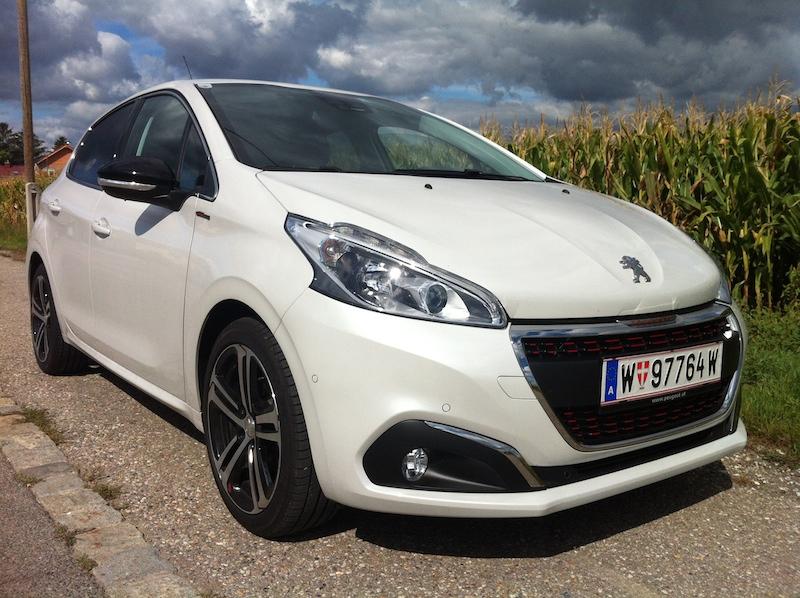 Foto 1 peugeot Peugeot 208   Der Super Sparer