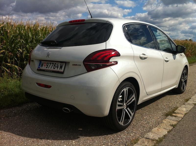 Foto 3 Peugeot 208   Der Super Sparer