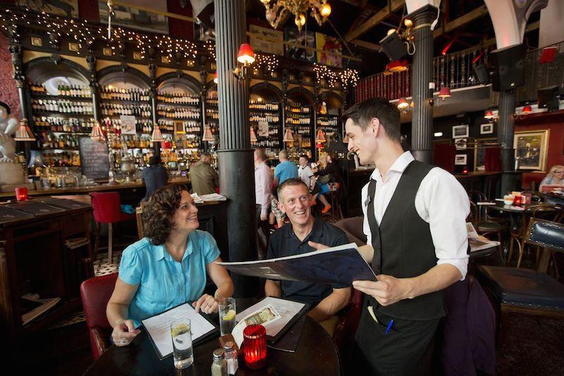 TourismIreland Pub Irland ist ein Synonym für exzellentes Essen