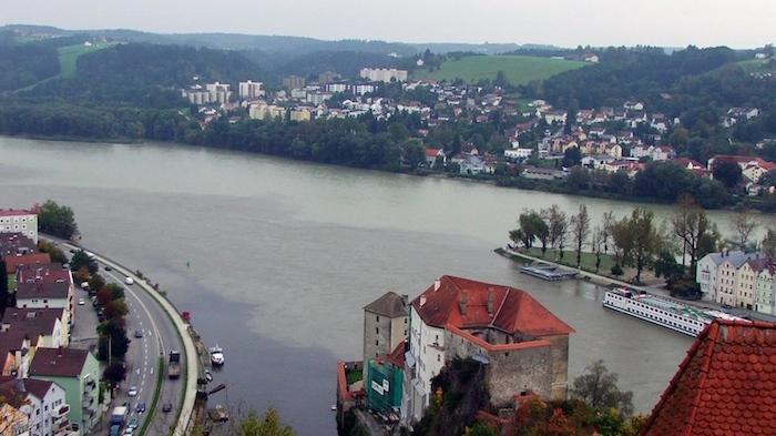 """3 flüsse simon45 pixelio.de 1 """"Die Junge Donau"""" stromaufwärts ab Passau entdecken"""