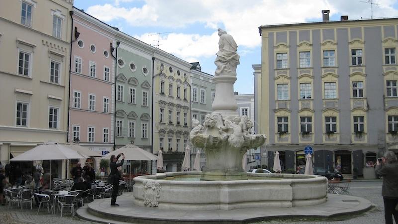 """passau innen """"Die Junge Donau"""" stromaufwärts ab Passau entdecken"""