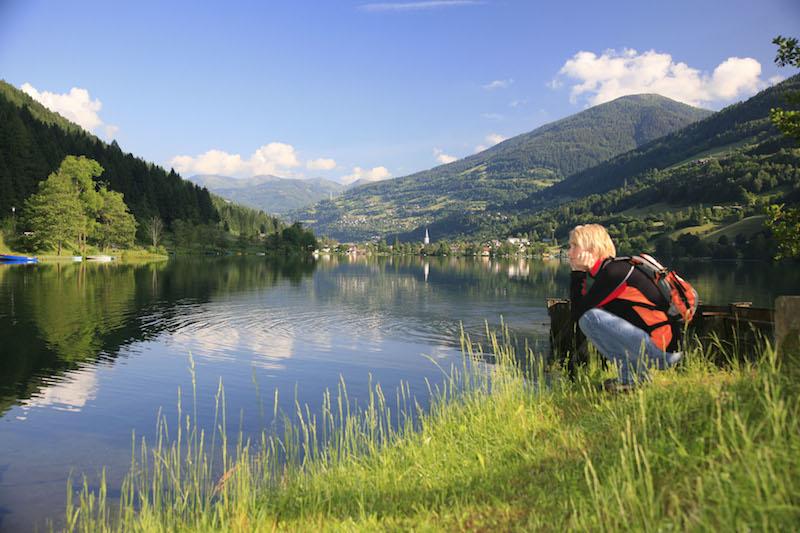 Bre 6804ortsbildmitwanderer mail 2 Ihr Aktivurlaub am Brennsee in Kärnten