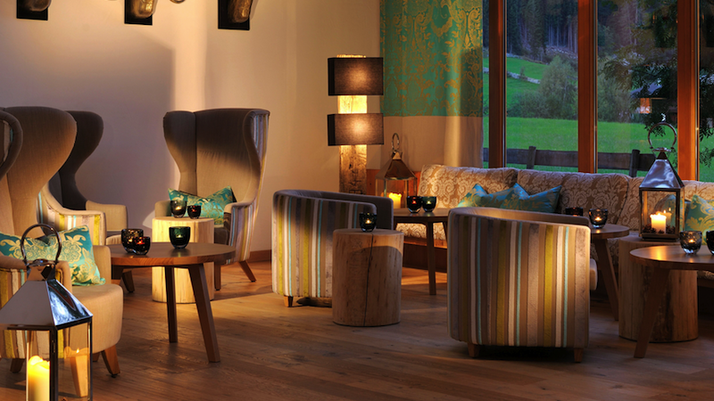 defereggen lobby Ein außergewöhnliches Hotelressort in Osttirol