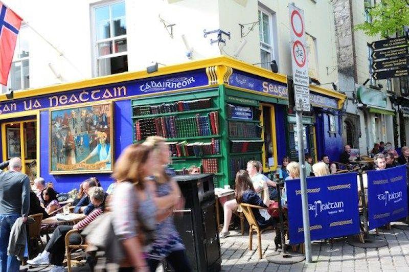 Tigh Neachtain2 Institution Pub: Wohnzimmer der irischen Kultur
