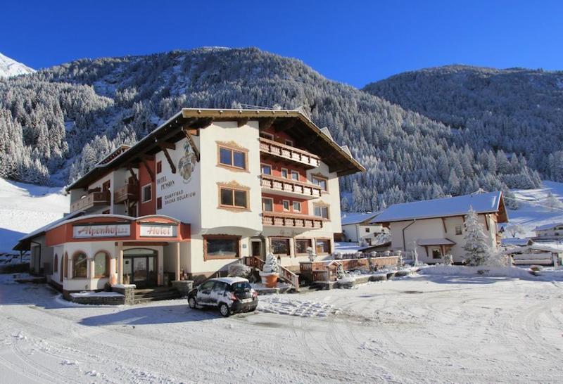 Hotel Alpenhof Pitztal Winter 4 Ältere Menschen und Skirennen?
