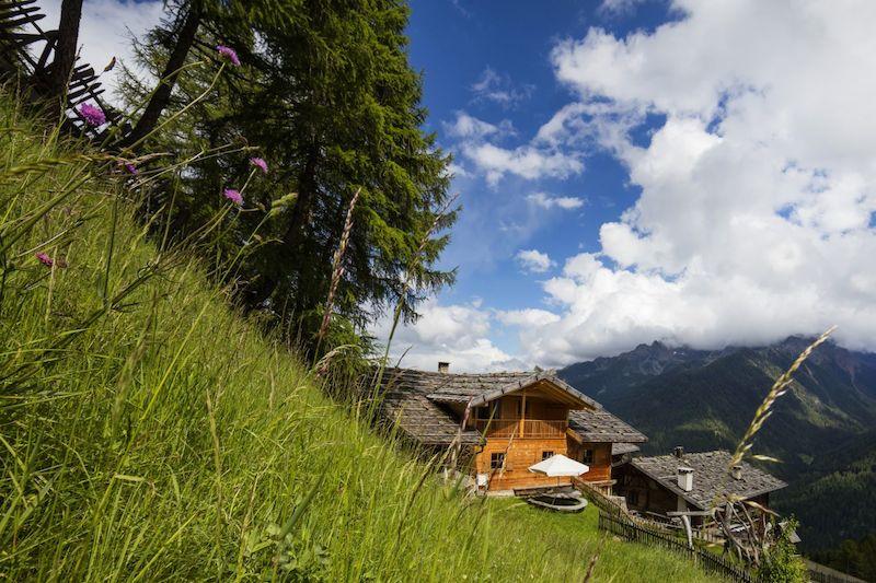 Roter Hahn Hochgelegene Bauernhoefe 1 Hoch hinaus im Urlaub auf Südtirols Bauernhöfen