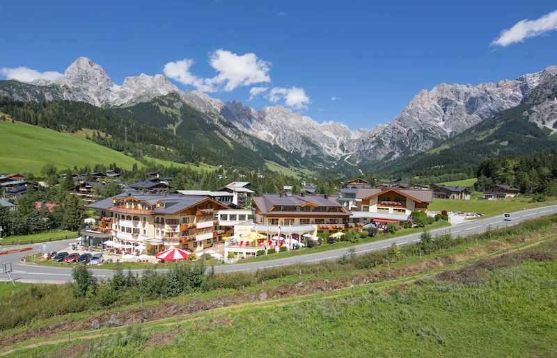 Außenansicht Panorama 2 Aktiv sein, entspannen und genießen in Maria Alm