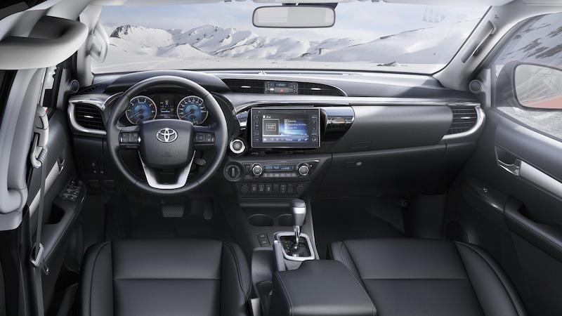 toyota Hilux 2016 interior tme 013 a full tcm 3041 692386 Toyota Legende Hilux im Test
