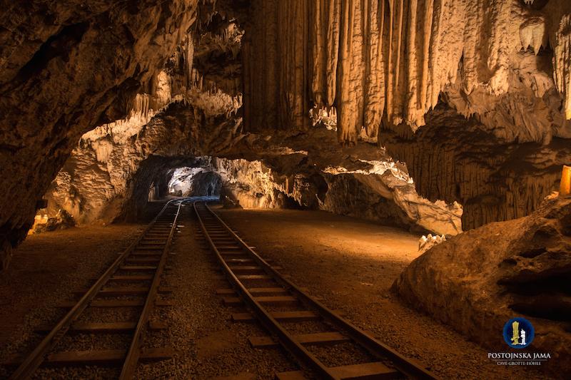 Postojna Cave 032 Iztok Medja for Postojnska jama Die Höhle von Postojna und das Karstgebiet