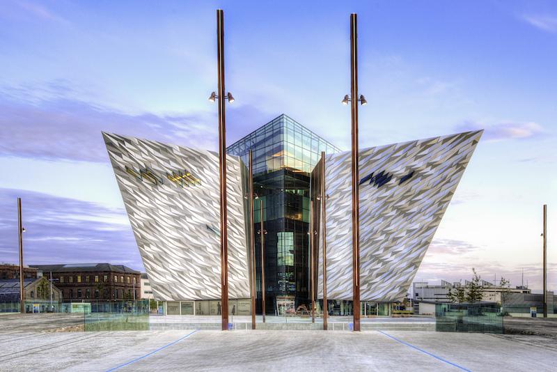 Titanic Belfast exterior Auf den Spuren der Titanic in Belfast