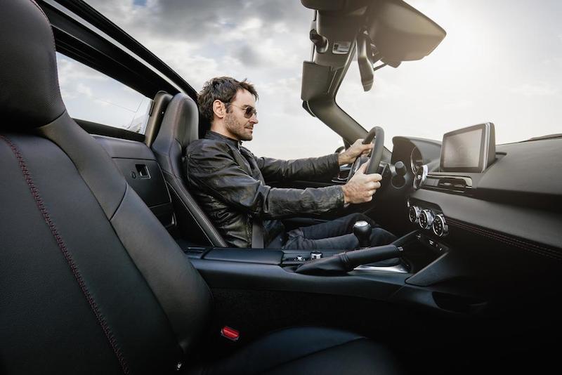 slideshow image 2017 MX5 RF Interior 01 hires Mazda MX 5 RF jetzt mit festen Dach