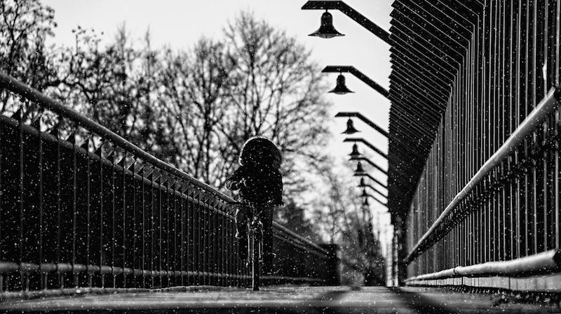 677798 original R by Rudis Fotoseite.de pixelio.de  Zwei Drittel der Fußgänger dunkel gekleidet