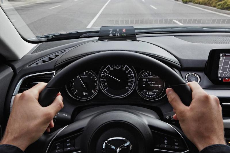 slideshow image 2017 Mazda6 Detail HUD 01 hires Mazda6 Sportkombi Testbericht