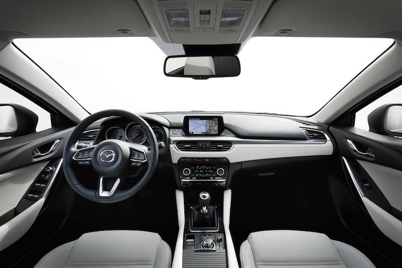 slideshow image 2017 Mazda6 Interior 10 hires Mazda6 Sportkombi Testbericht