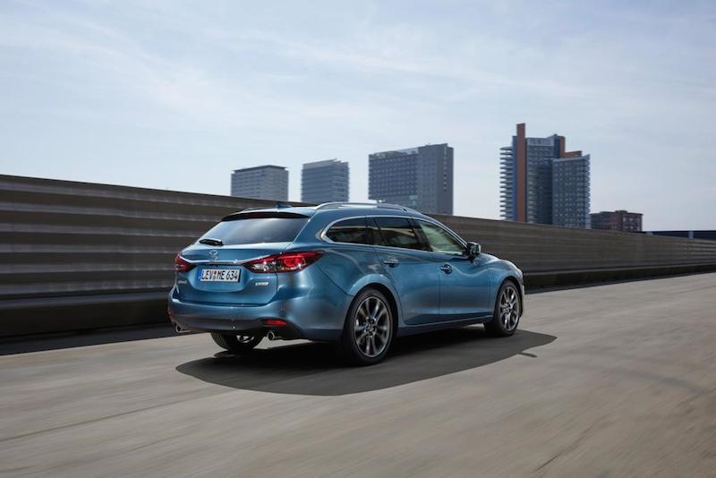 slideshow image 2017 Mazda6 Wagon Action 22 hires Mazda6 Sportkombi Testbericht
