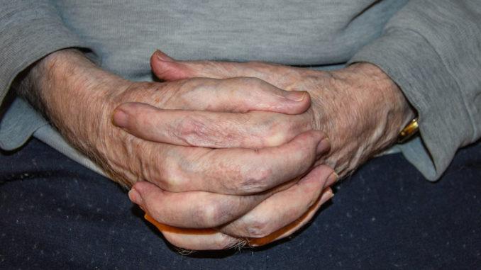 Welt-Alzheimertag. Foto: Karin-Bangwa_pixelio.de