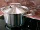 Küche als Unfallort Foto: Rainer-Sturm_pixelio.de