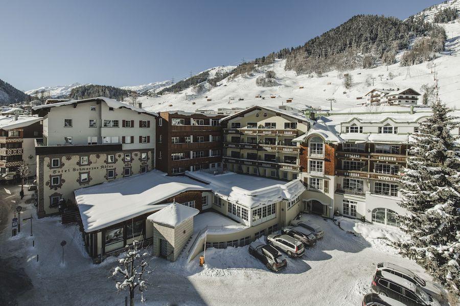 Hotel Schwarzer Adler in St. Anton am Arlberg im Schnee