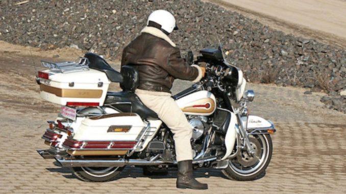 Start der Motorradsaison. Foto: Bernd-Sterzl_pixelio.de