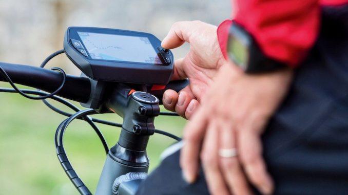 Elektrofahrräder gibt es in immer mehr Varianten. Fahrer sollten deshalb rechtzeitig prüfen, ob ihr Modell die richtige Versicherung hat. Foto: srphotography/123.rf/Barmenia
