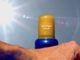 Richtiger Sonnenschutz. Foto: Thorben-Wengert_pixelio.de