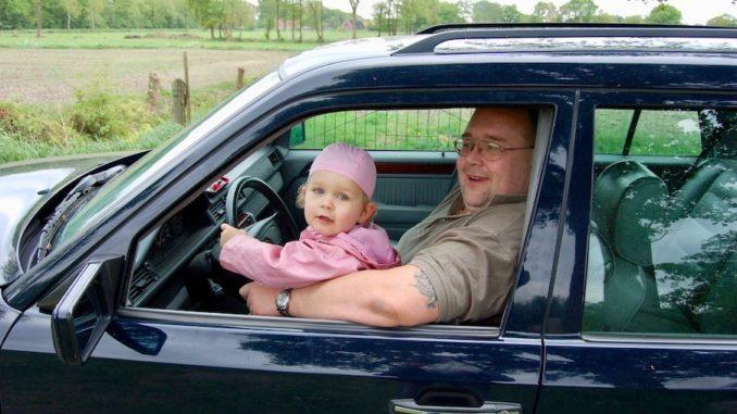 So darf und sollte man nie Autofahren! Foto: moni_pixelio.de